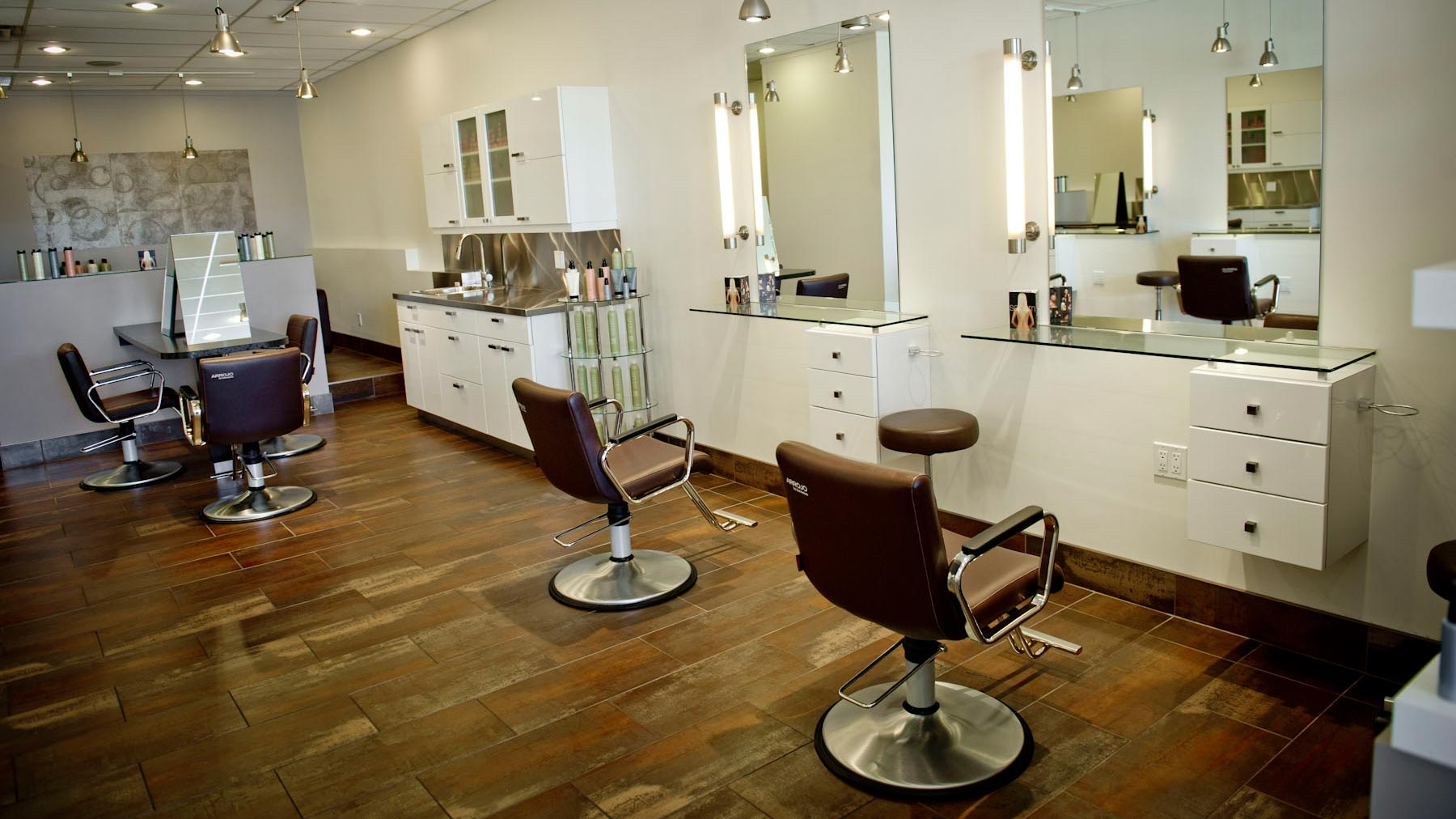 Pei hair salons and hairdressers pei business directory for Photos salon design
