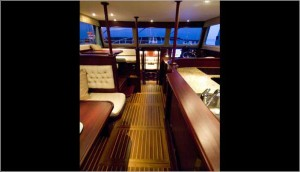 luxurytrawlerwithflybridge9.jpg