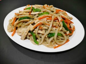 Udon Noodle with Vegetable in Black Pepper Sauce