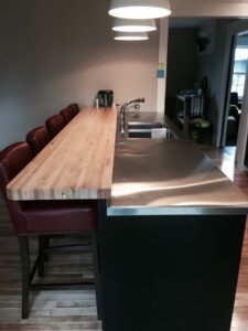 stainless-kitchen-and-bar-top-1.jpg