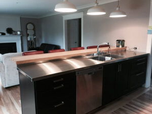 stainless-kitchen-in-home-1.jpg